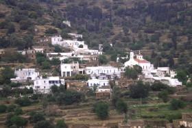 Άποψη της Καππαριάς από την επαρχιακή οδό Άνδρου-Σταυροπέδας